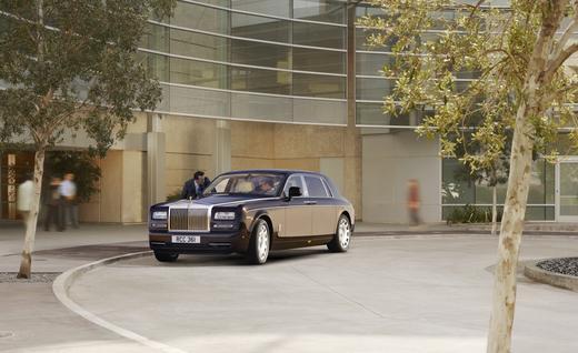 2018 Rolls-Royce SUV Rendered