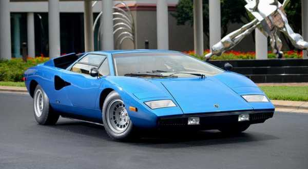 the first lamborghini countach sold for millions. Black Bedroom Furniture Sets. Home Design Ideas
