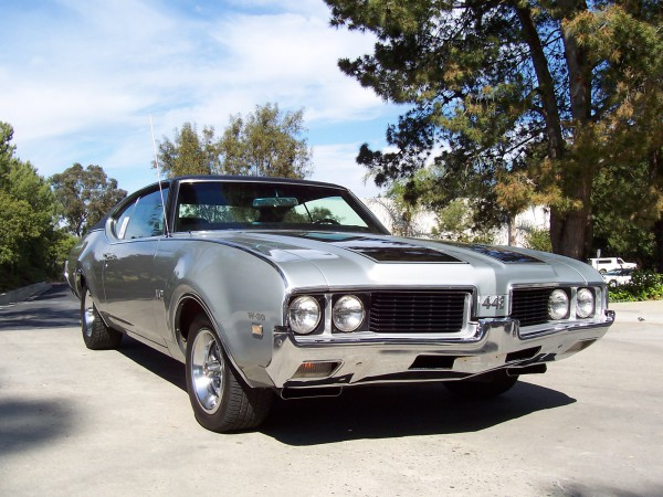 Oldsmobile 442 in 1969. One of the strong, but lesser-known muscle cars