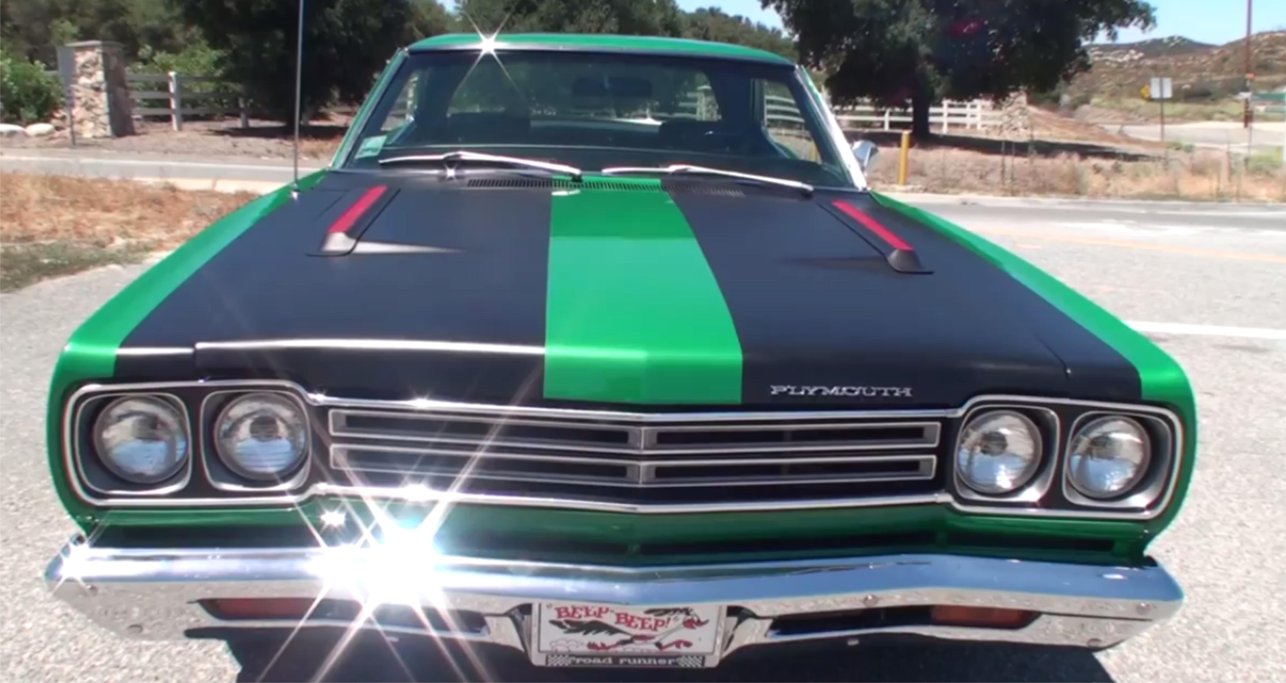 Road Runner Radio,1969 Plymouth Mopar - TOP HOT CARS