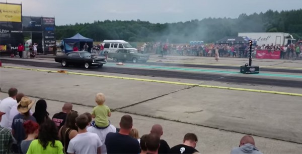 Plymouth Duster and Plymouth Valiant drag race