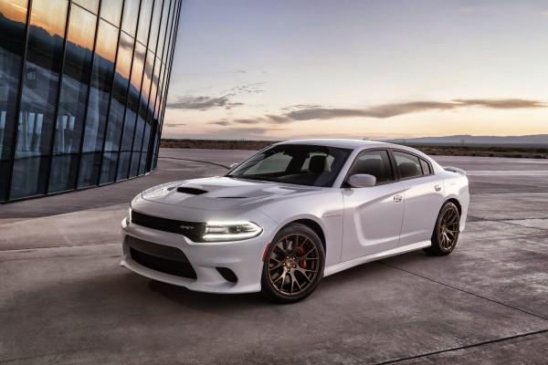 2015-Dodge-Charger-SRT-Hellcat