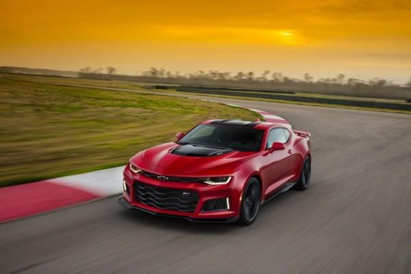 2017-Chevrolet-Camaro-ZL1-018